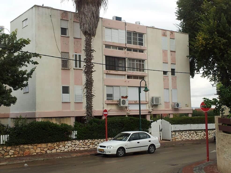 הבנין ברחוב דרך שרה זכרון יעקב // באדיבות עמרם את נידם התחדשות עירונית
