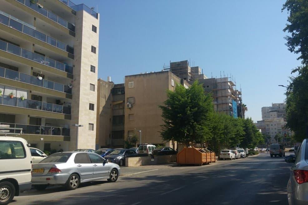 רחוב הדרור יבנה // צילום רונן דמארי