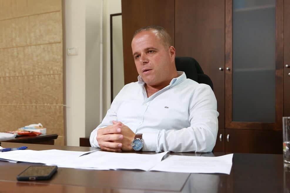 תומר גלאם ראש עיריית אשקלון // צילום: דודו דפוס גוונים