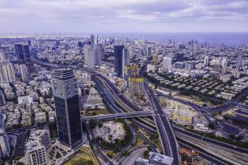 ועדת ערר מחוזית תל אביב | פינוי בינוי בגבעתיים // shutterstock