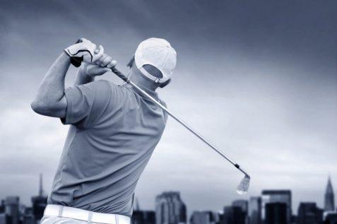 """סגר עסקת תמ""""א 38 במשחק גולף // depositphotos"""