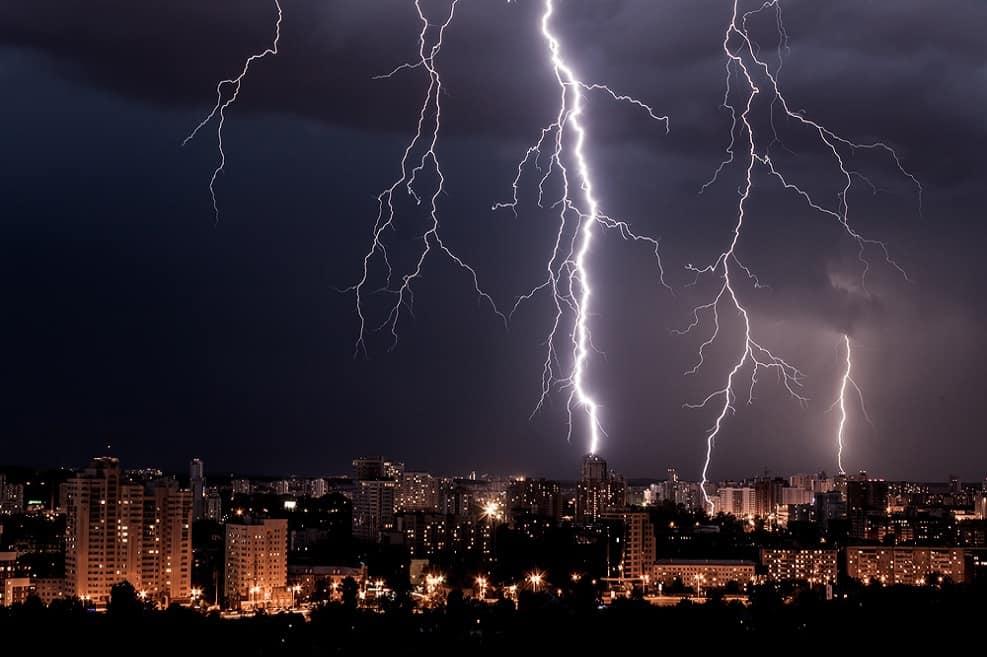 נזקי הבתים בעקבות הגשמים נאמדים בכ-60 מיליון שקל // depositphotos