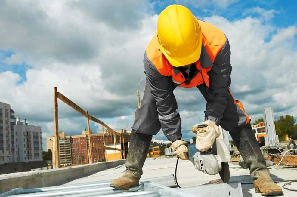 מכסה של 6,000 עובדים אושרה עבור חברות הבניה הזרות // depositphotos