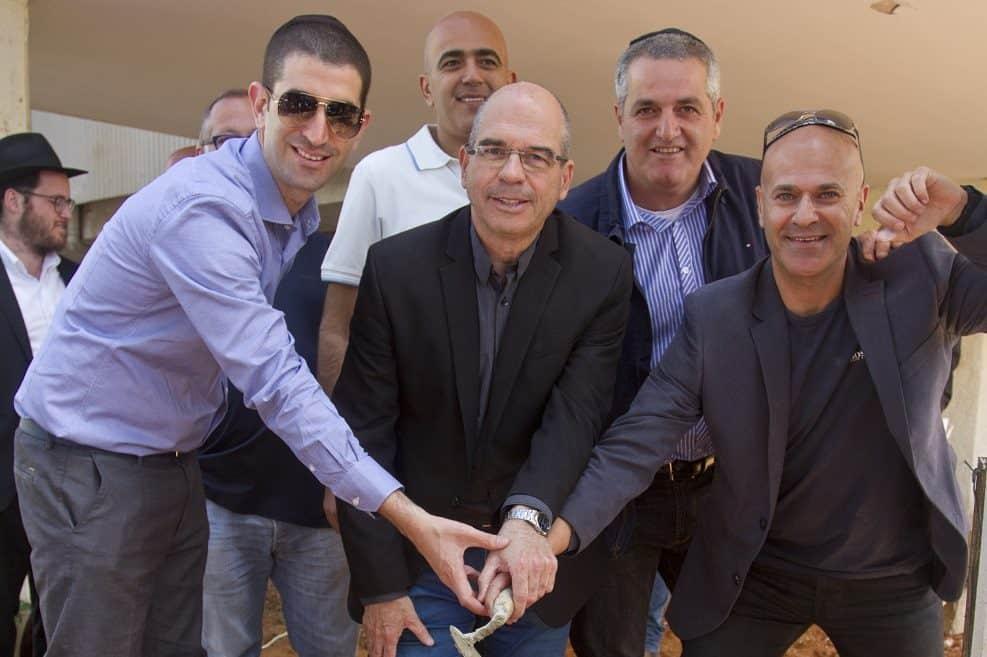 תמיר פורת, אילן אברהמי, איציק ברוורמן, רוני זוהר ואסף אופנהיים // רפאל בן דור