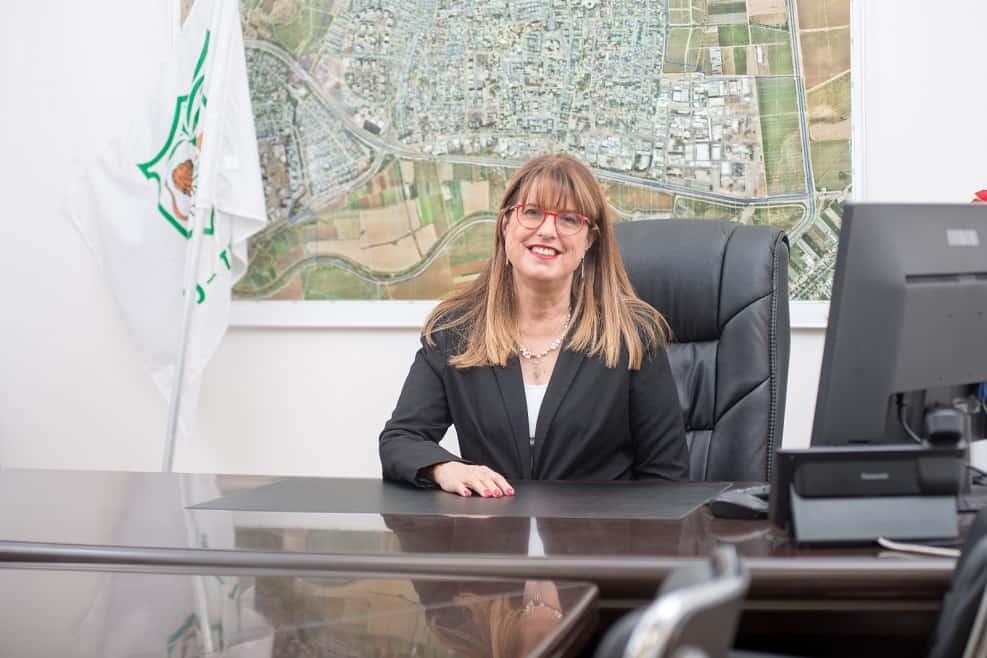ראש העיר יהוד-מונוסון יעלה מקליס // באדיבות דוברות עיריית יהוד-מונוסון