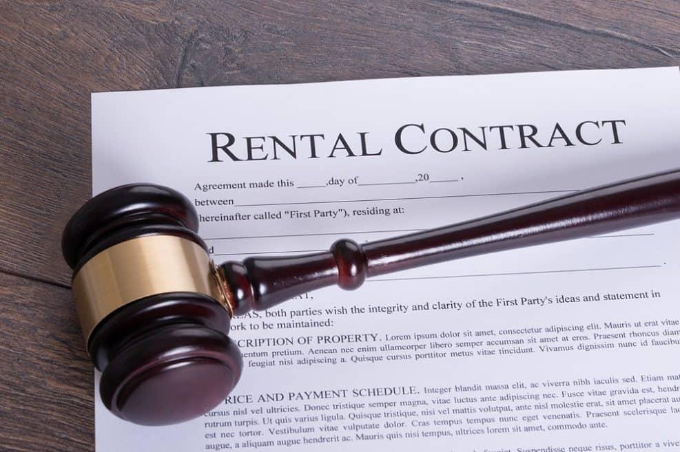 """תקדים משפטי: פיצוי כספי לשוכרים בבניין תמ""""א 38 // depositphotos"""