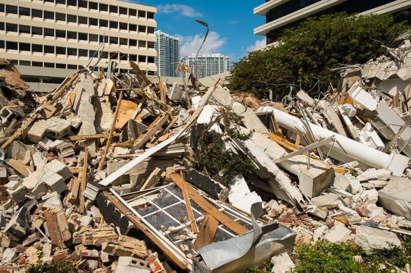 אילוסטרציה: הריסת בנין // depositphotos