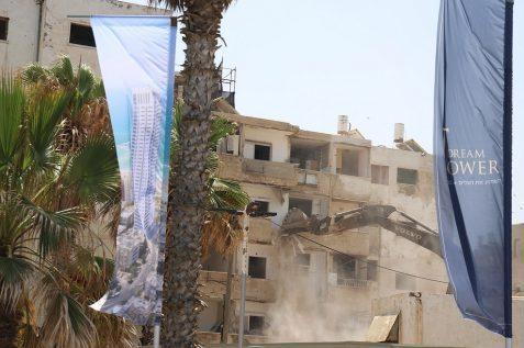הריסת הבניין בבת ים // צילום יואב פלי