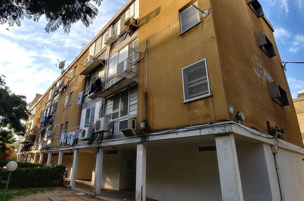 פינוי בינוי אשקלון | אחד הבניינים הוותיקים בשכונת אפרידר // צילום רונן דמארי