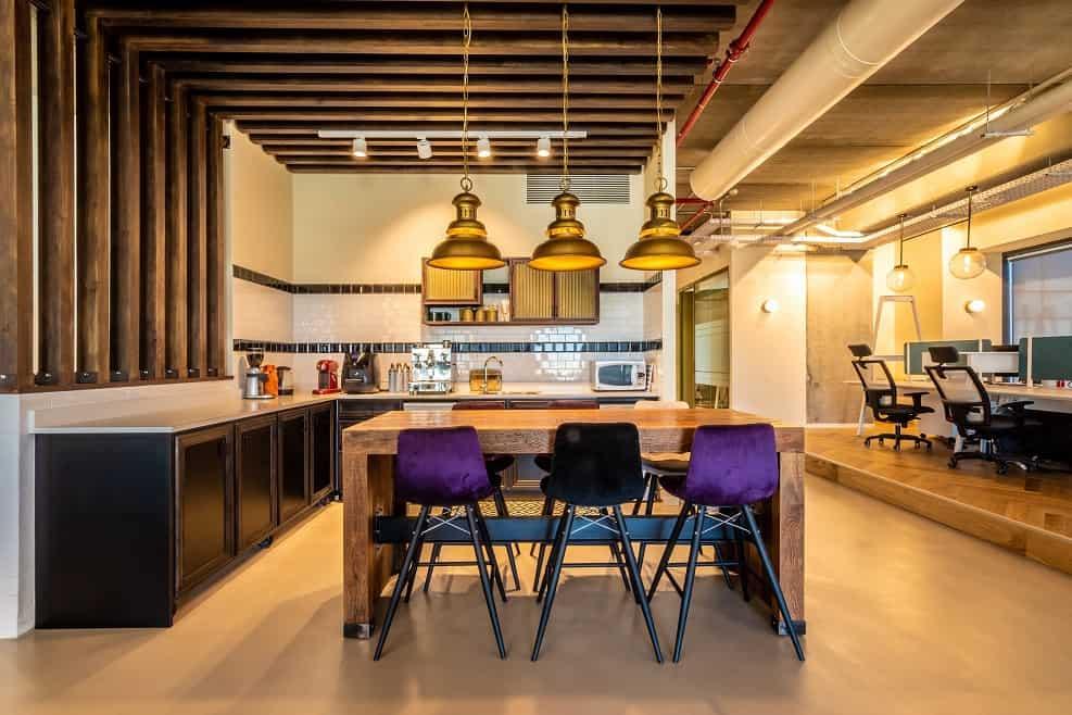 המטבח במשרדי חברת טרדומטיקס// צילום אילן לופו