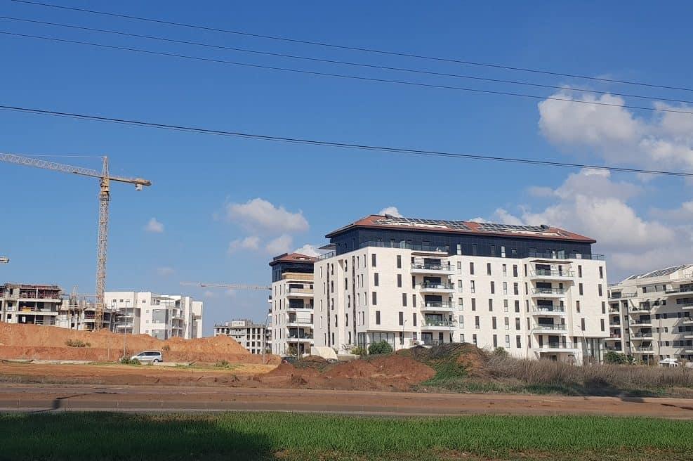 הבניינים החדשים בשכונת נווה זמר ברעננה // מגדילים