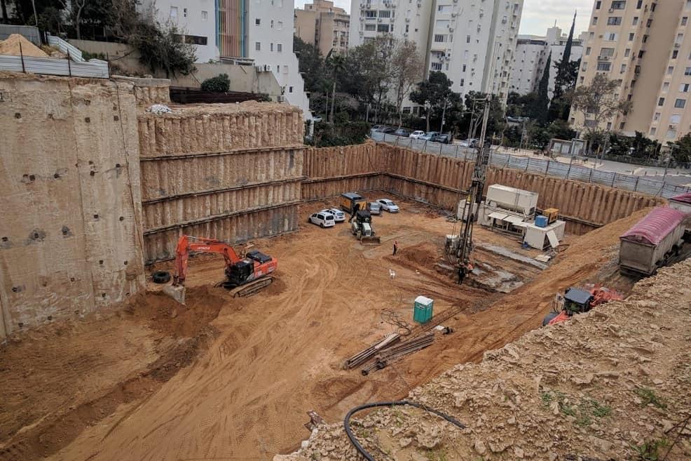 הבור בשכונת בבלי - מגדל בראשית // יחצ
