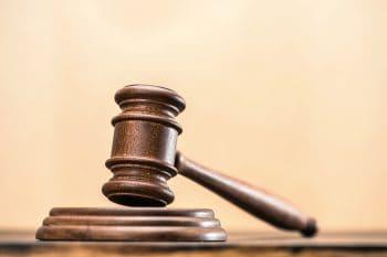 """בית המשפט אישר החייאת חברה מחוקה לצורך ביצוע תמ""""א 38 // depositphotos"""