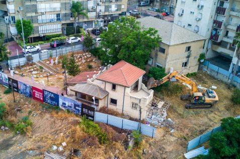 הריסת בניינים ברחוב טלר ברחובות // צילום: יובל אסף