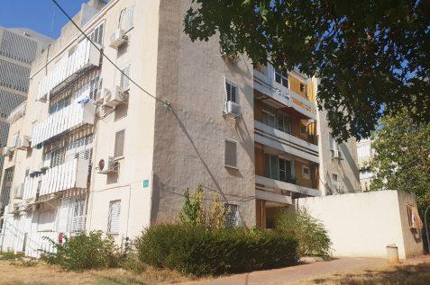 הבניינים ברח' הרב גולד בשכונת כיסופים // מגדילים