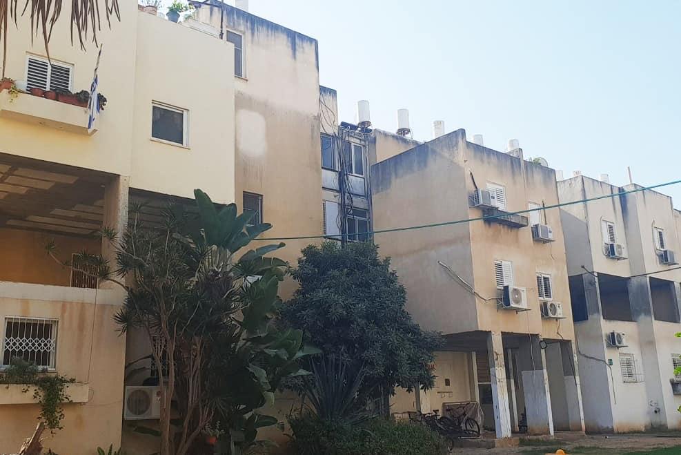 הבניינים הישנים ברחוב הרב גולד // מגדילים