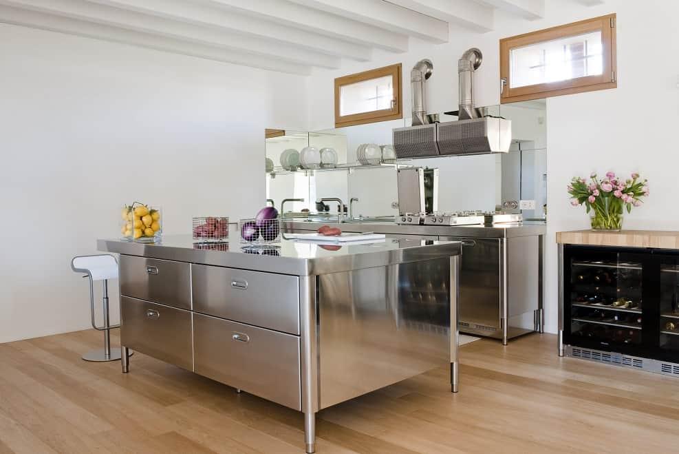 מטבח ניגא שף הום //  צילום ALPES INOX
