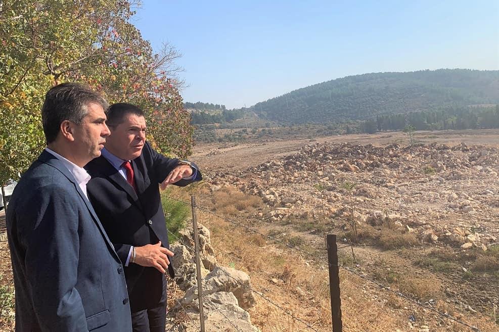 ראש העיר בסיור עם שר הכלכלה // באדיבות עיריית צפת