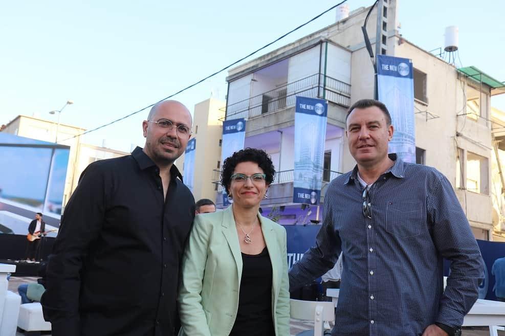 """עו""""ד שגיא צוקרמן, עינת גנון ויניב בל // צילום: שלומי גבאי, עיריית חדרה"""