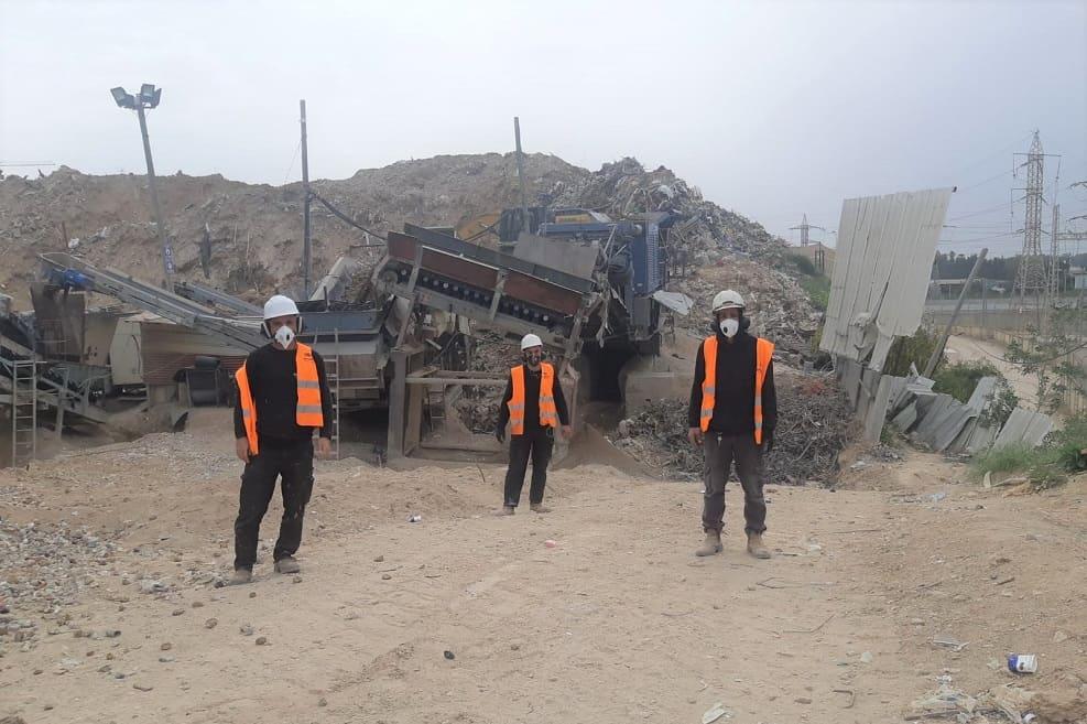 אתר מחלף הסירה של חברת בני וצביקה העוסק במיחזור פסולת // יחצ