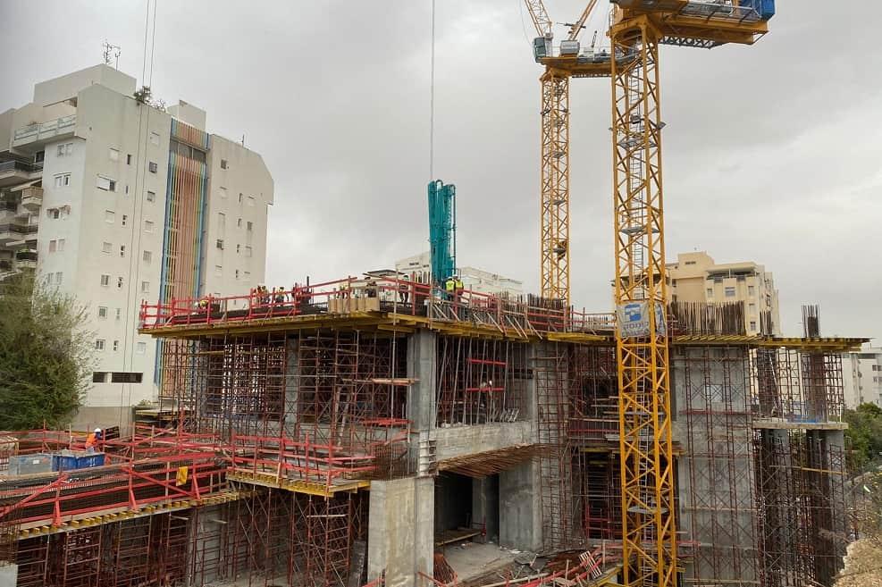 אתר בנייה של מגדל בראשית בשכונת בבלי // צילום: שי לונו