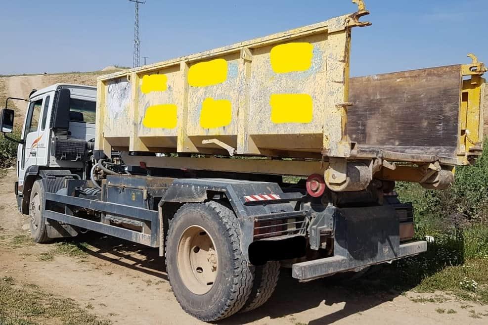 המשאית שנתפסה ליד אל-סייד // צילום: המשטרה הירוקה, המשרד להגנת הסביבה
