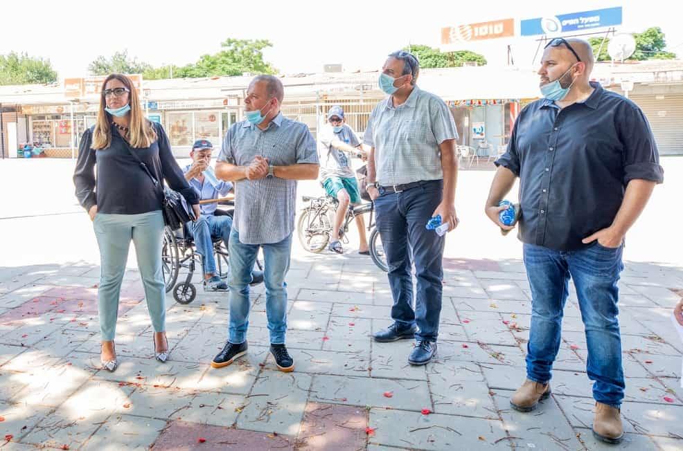 """סיור נציגי הותמ""""ל עם ראש העיר // צילום עיריית אשקלון"""