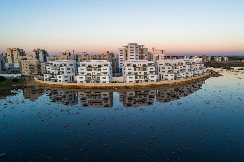 פרויקט 'אביסרור על המים' בשכונת אגמים // s.a צילום - שוקי אמזלג