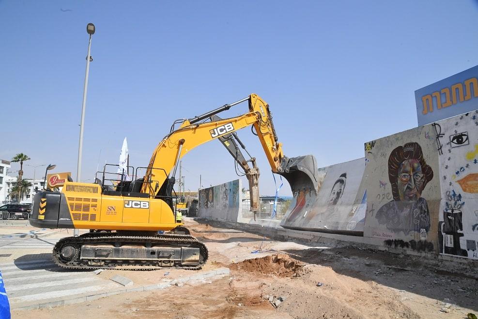 הריסת שדה התעופה הישן באילת // צילום: יהודה בן יטח