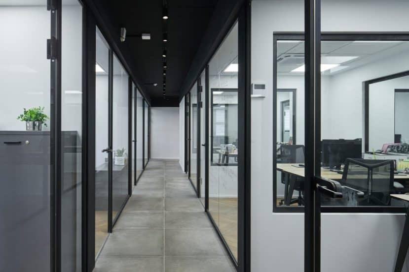 משרדי מוטי בוזון // צילום: גלי פלג