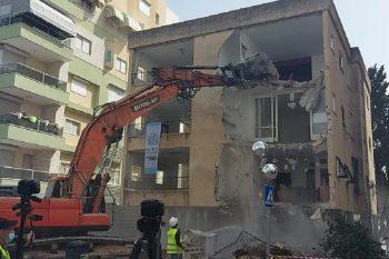 הריסת הבניין הישן - פרויקט את חי של בית וגג // יחצ