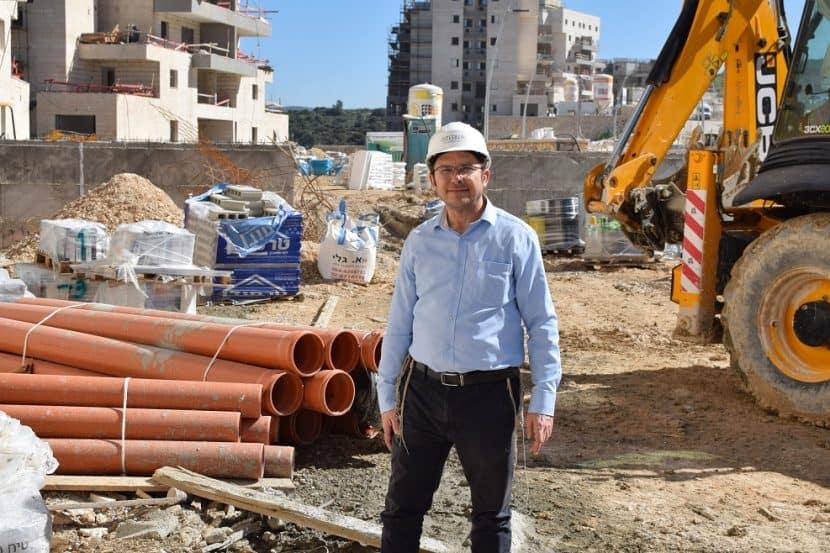 ישראל זעירא // באדיבות חברת באמונה