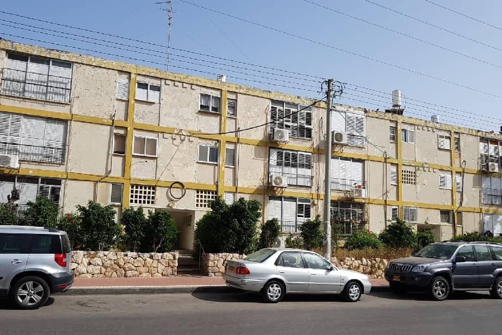 הבניינים הישנים // אוסף עצמי