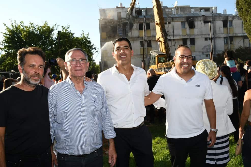 רז עודד, מורדי שבת, משה פדלון, ברק רוזן // אביב חופי