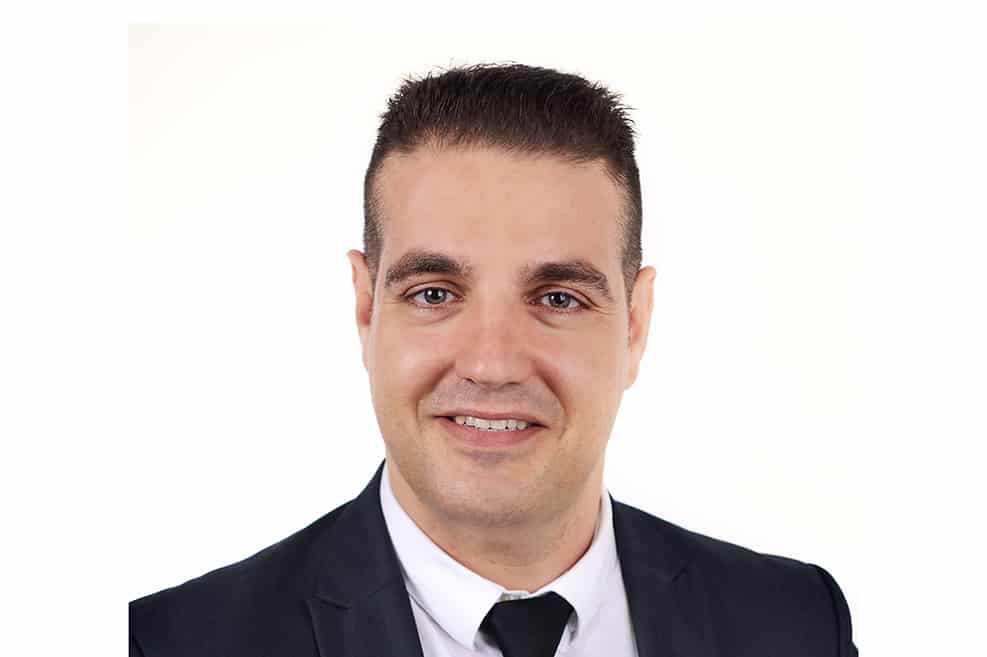 דניאל בכר // ארז שטיינר