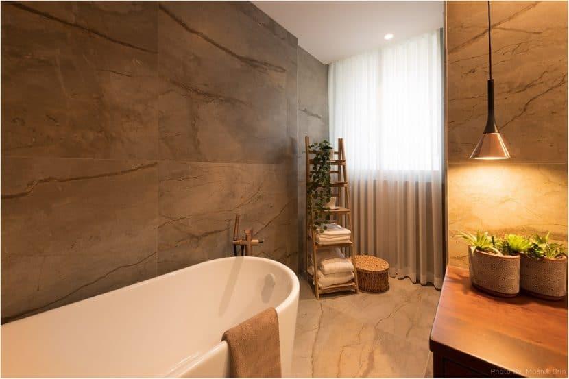 אביזרי אמבטיה // מושיק ברין